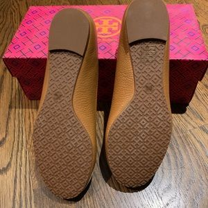 Tory Burch Shoes - Reva Ballet Flats / Tumbled Leather / Royal Tan